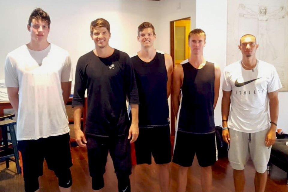Bei P3 trafen die Ulmer Nachwuchstalente u.a. auf NBA-Routinier Kyle Korver (2. von links).