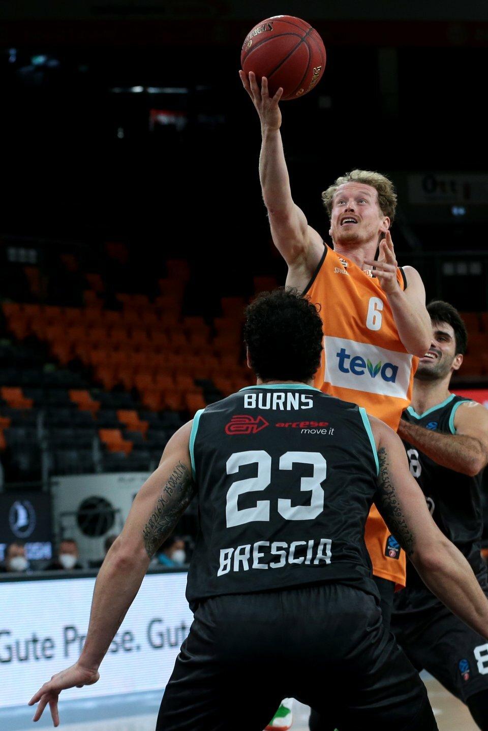 Per Günther lieferte starke 12 Punkte und 4 Assists ab. Foto: Harry Langer