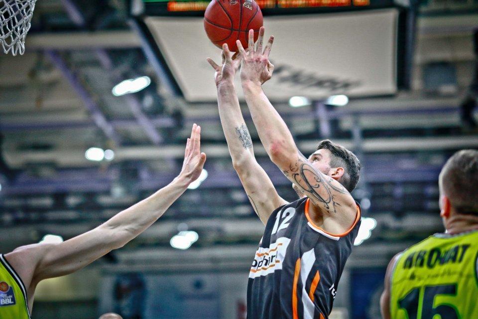 Neuzugang Bogdan Radosavljevic gelangen in seinem zweiten Spiel für Ulm 14 Punkte. Foto: Ochsenfoto