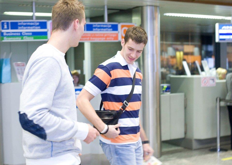 Vor der Abreise in die NBA - das Brüder-Paar Zoran und Goran Dragic.  Foto: Vid Ponikvar