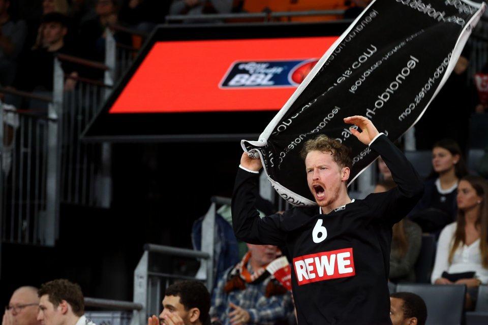 Per Günther freut sich über den Pokal-Halbfinal-Einzug. Foto: Harry Langer